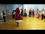 Дед Мороз зажегает на детском празднике...